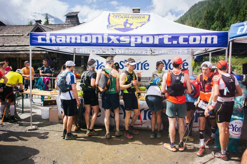 Aid station at Marathon du Mont Blanc