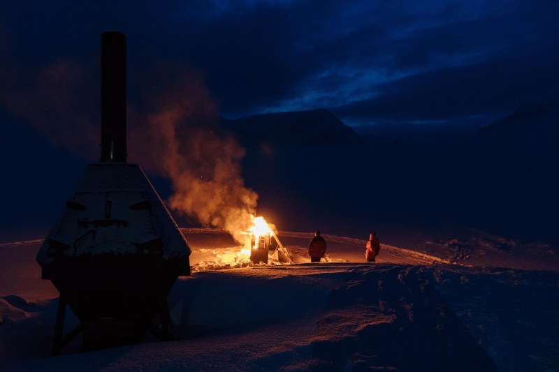 Easter bonfire at Sälka cabin along Kungsleden